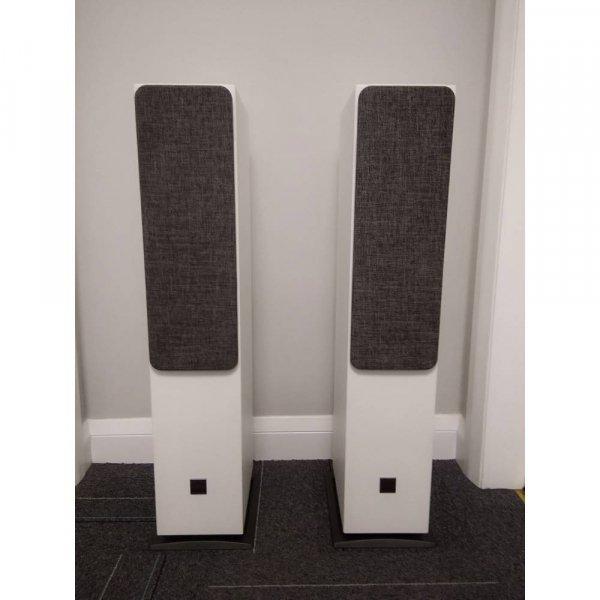 DALI OBERON 5 White Floorstanding Speakers (Pair)