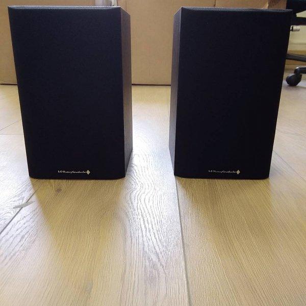 Wharfedale Diamond 9.0 Black Bookshelf Speakers (Pair)